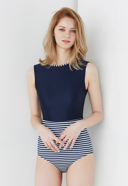 17 Jessica Suit - Navy/Stripe